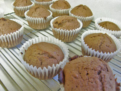 baking with kids chocolate cupcakes