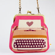 Window Shopping Wednesday - Octopurse - Clutch bag - Typewriter in pink - metal frame purse with shoulder strap